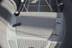 3D tender 320 ultimate dinghy locker closed latches